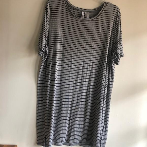 Divided Dresses & Skirts - H&M Divided t-shirt dress
